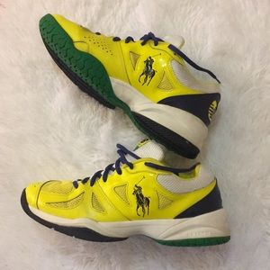 Great used condition tennis shoe.